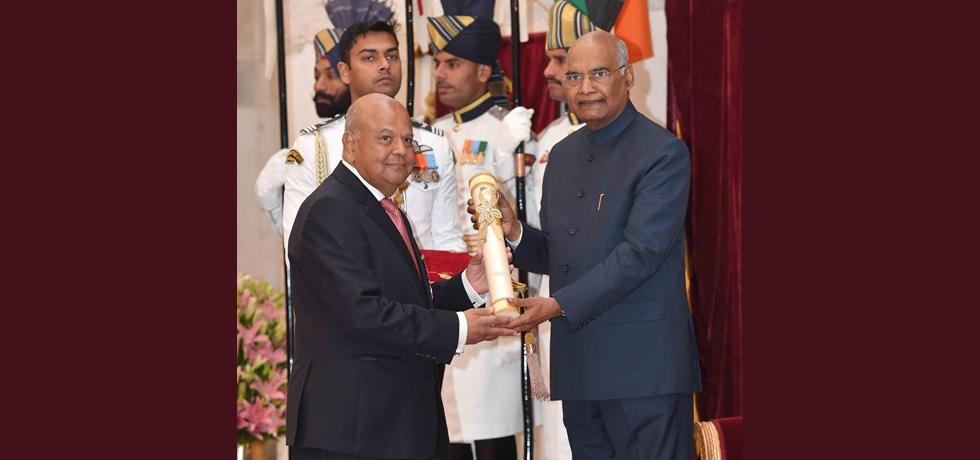 Mr. Pravin Gordhan, Minister of Public Enterprises, RSA being conferred Padma Bhushan by Hon'ble President of India Shri Ram Nath Kovind